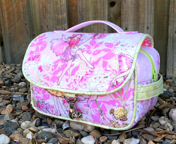 Hang About Toiletry Bag Sew Along - pattern by two pretty poppets (www.andriedesigns.com)