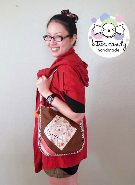 Such a great design to wear on your shoulder! Feature Me Everyday Tote - Andrie Designs
