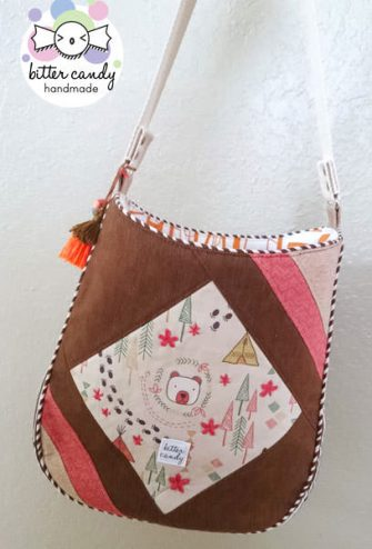 How cute is this little Feature Me Everyday Tote?! - Andrie Designs