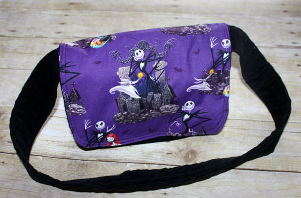 Spooky purple Good-To-Go Messenger Bag - Andrie Designs