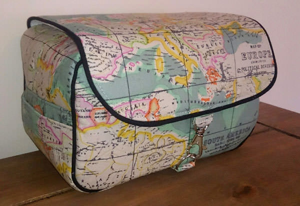 Travel the globe Hang About Toiletry Bag - Andrie Designs