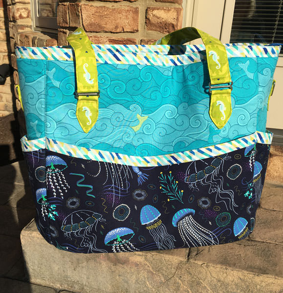 Love this teal and navy Summer Lovin' Beach Tote - Andrie Designs