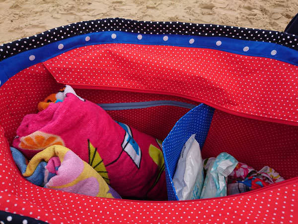 Polka dots all round Summer Lovin' Beach Tote - Andrie Designs
