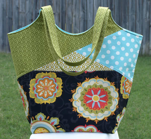 Gorgeous green Stand Up & Tote Notice - Andrie Designs