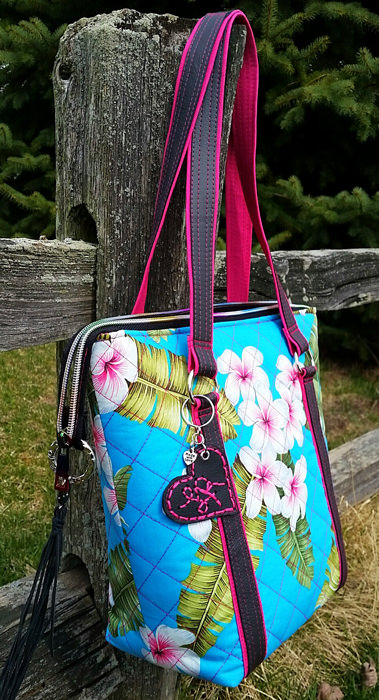 A New Approach to Zipper Tabs - Andrie Designs
