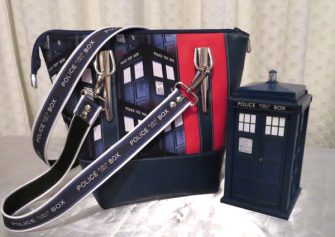 How cool is this Dr Who-themed Classic Carryall Handbag & Tote?! - Andrie Designs