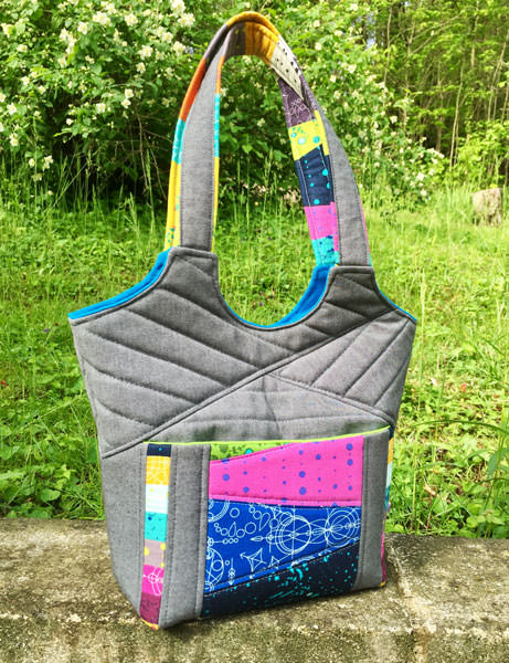 Quilt Me A Bag - Stand Up & Tote Notice - Andrie Designs