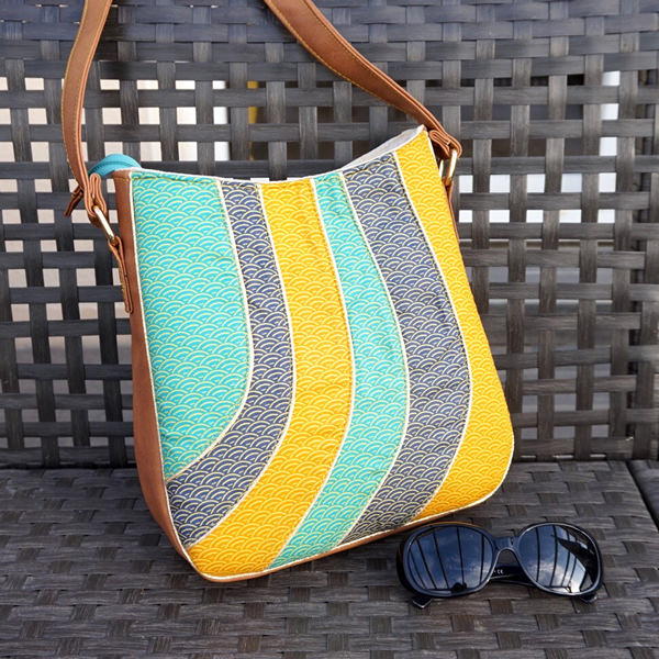 How great is this retro-themed Shades of Yesterday Tote Bag - Andrie Designs