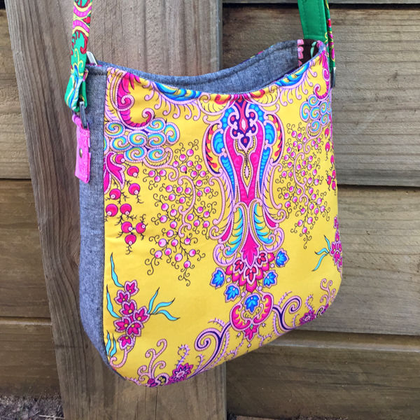Such a beautifully bright back on this Shades of Yesterday Tote Bag - Andrie Designs