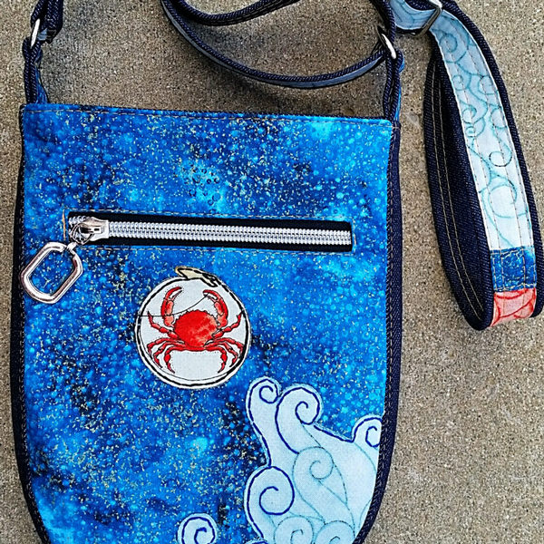 Back panel of the ocean and crab-themed Mini Shades Pouch - Andrie Designs