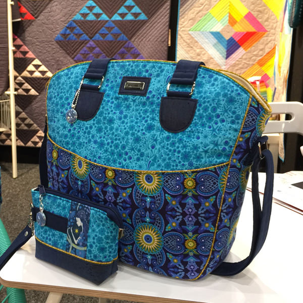 Stunning bags in Alison Glass at AQM 2017 - Andrie Designs