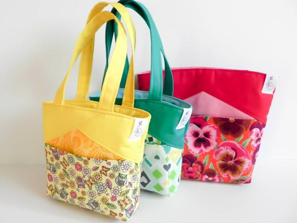 The Stand Up Clutch - 5 Quick and Easy Gifts to Sew! - Andrie Designs