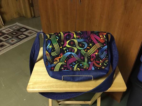 Tammy's Good to Go Messenger Bag - Customer Creations - January 2018