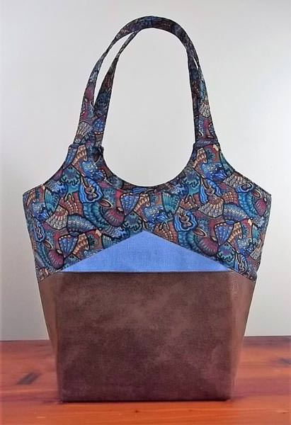 Customer Creations April- Andrie Designs - Mary - Stand Up and Tote Notice
