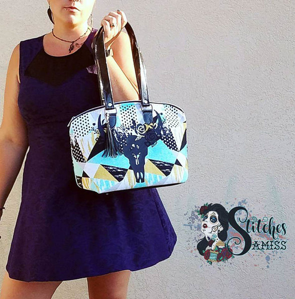 Meet the Maker - Stitches Amiss little bag