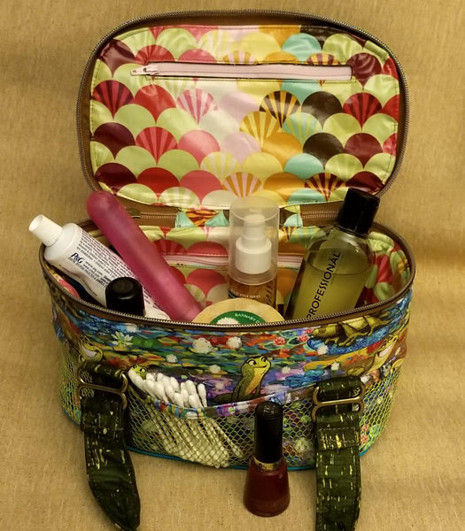 The Frogs are loaded up! Bree's Box Toiletry Caddy - Andrie Designs