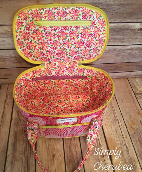 Inside the pretty 'n pink Bree's Box Toiletry Caddy! - Andrie Designs