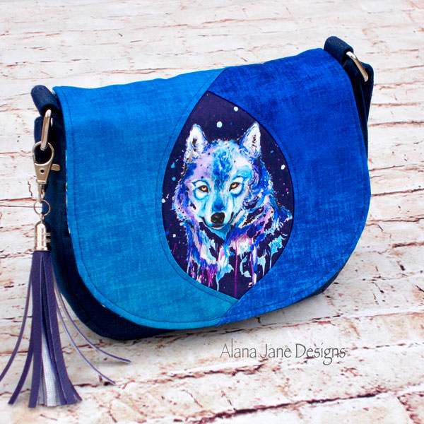 Check out the blue tones in this Peekaboo Purse - Andrie Designs