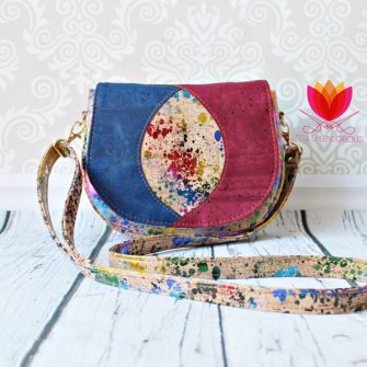 How stunning is this all cork Peekaboo Purse?! - Andrie Designs