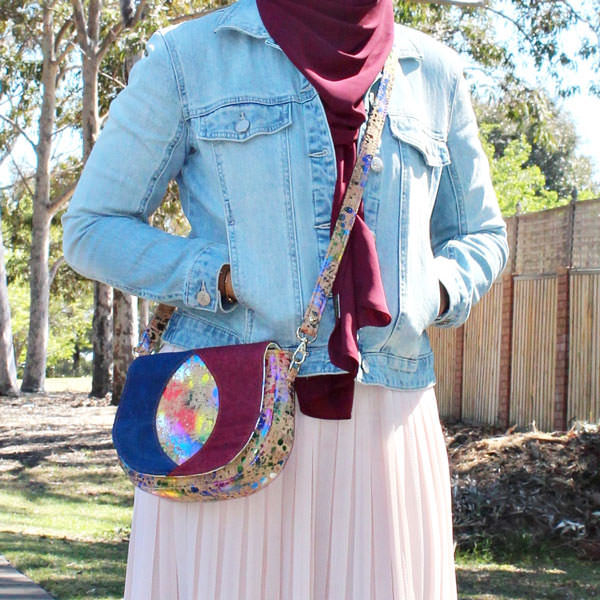 Add a longer strap and make it a cross body bag! Peekaboo Purse - Andrie Designs