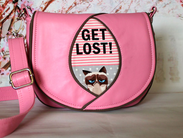Love this Grumpy Cat Peekaboo Purse! - Andrie Designs