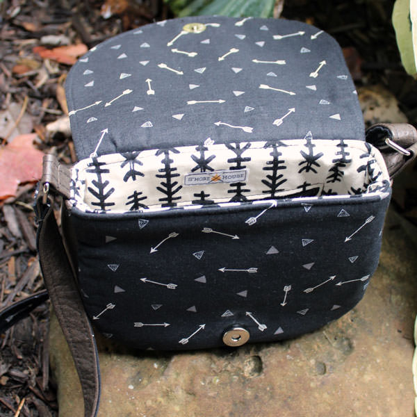Inside the black and mysterious Peekaboo Purse - Andrie Designs