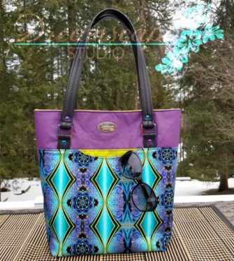 The colours in this Classic Market Tote simply pop! - Andrie Designs