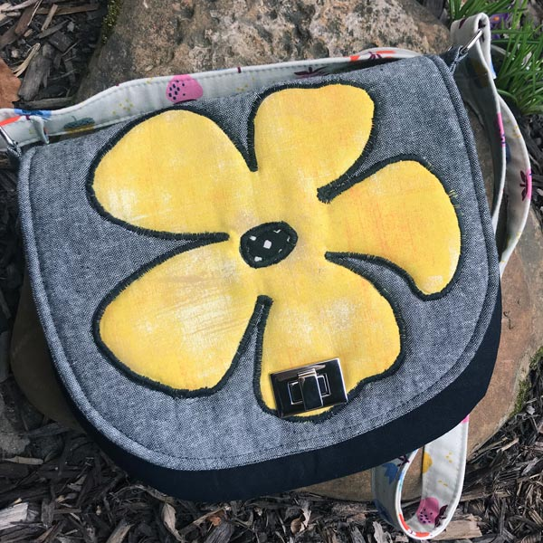 Summery 'flower' motif for this That Flap Saddlebag - Andrie Designs