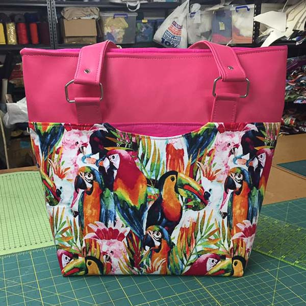 Linda's Classic Market Tote - Customer Creations - August 2019 - Andrie Designs