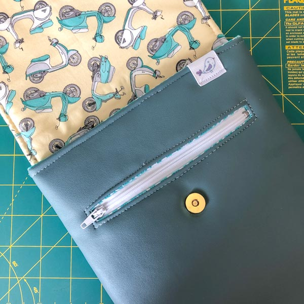 Finished bag with zipper pocket - Zipper Pockets on Foam - Tips - Andrie Designs