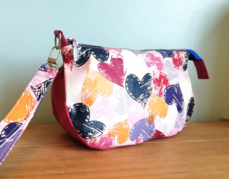 Love hearts V Pouch - Andrie Designs