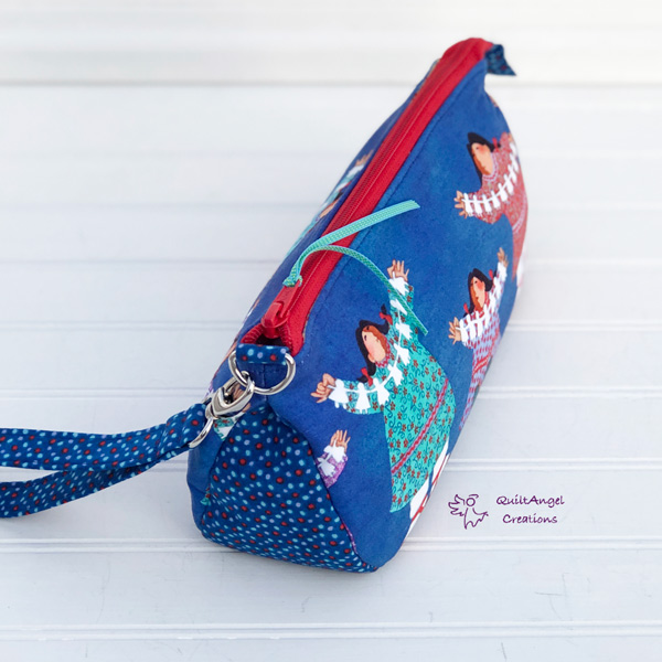 Open end of the Alaskan-themed V Pouch - Andrie Designs