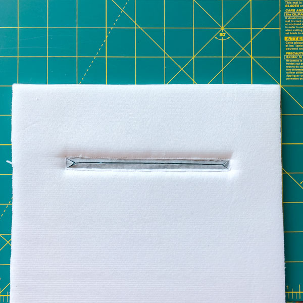 Pocket trimmed - Zipper Pockets on Foam - Tips - Andrie Designs