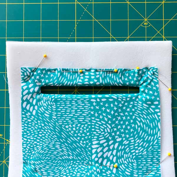 Straight edges pinned - Zipper Pockets on Foam - Tips - Andrie Designs