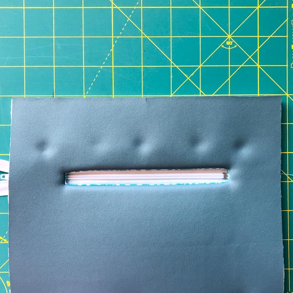 Zipper Glued and straight - Zipper Pockets on Foam - Tips - Andrie Designs