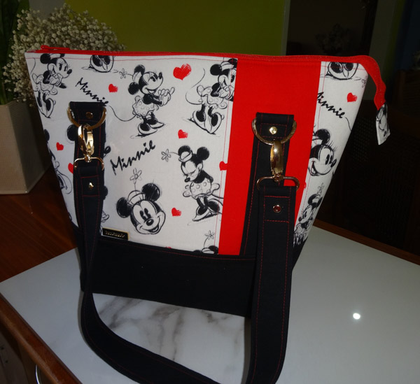 Kelly's Classic Carryall Tote - Customer Creations - November 2019 - Andrie Designs