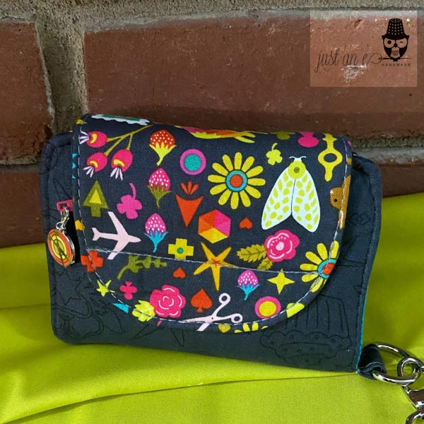 Back of Abbe's Layla Essentials Purse - Andrie Designs