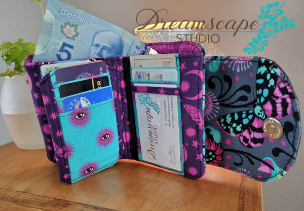 Inside of Sue's Tula Pink Layla Essentials Purse - Andrie Designs