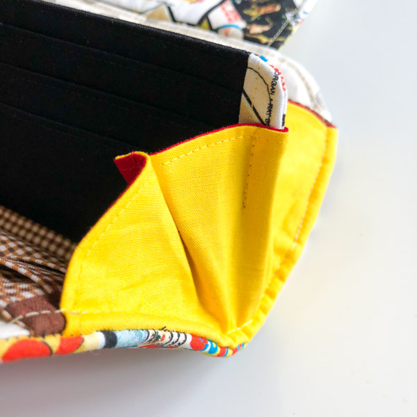 Middle fold sewn - Cleo Gets Extra Card Slots - Andrie Designs
