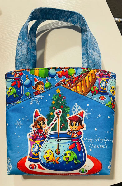 Susie's Christmas themed Stand Up Clutch - Customer Creations - Andrie Designs